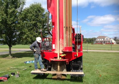 Domestic water well V100 Rotary rig drilling