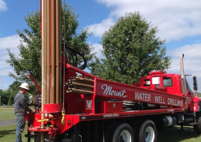 Drilling domestic water well V100 Rotary rig